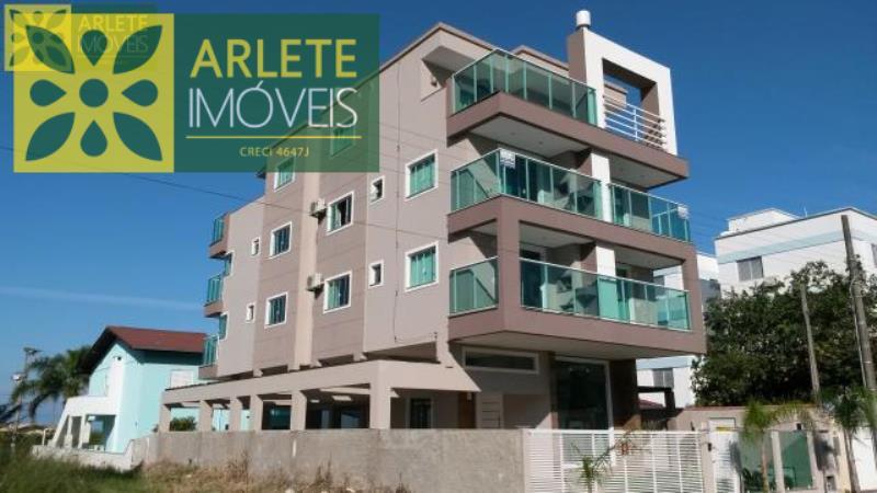 Apartamento Codigo 597 para Temporada no bairro Mariscal na cidade de Bombinhas