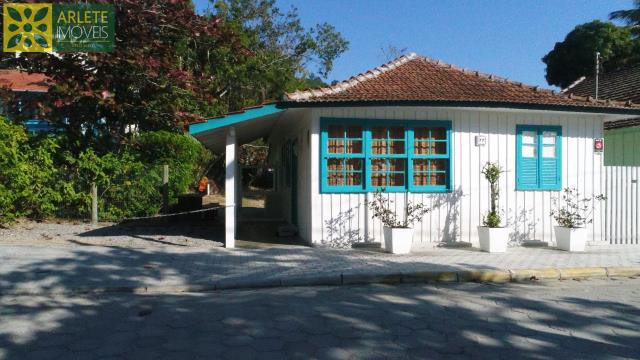 Casa Codigo 1427 a Venda no bairro-Centro na cidade de Porto Belo