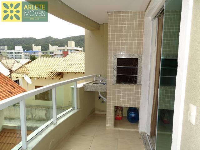 Apartamento Codigo 416 para Temporada no bairro Bombas na cidade de Bombinhas