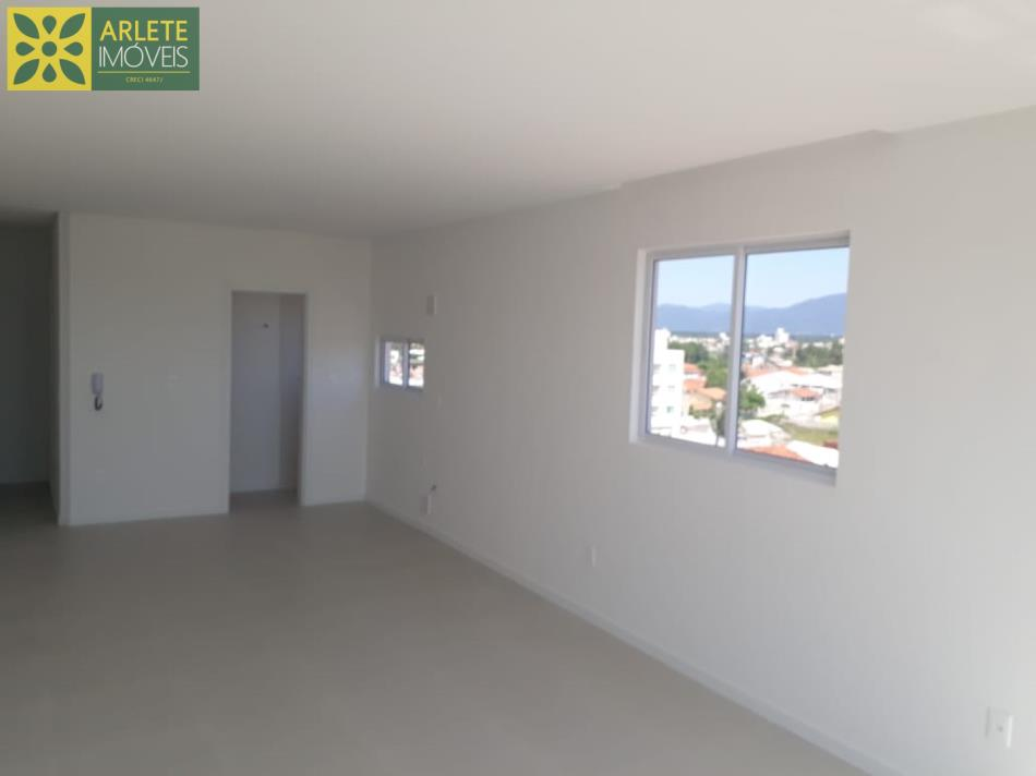 12 - Sala de apartamentos à venda no Perequê/Porto Belo/SC