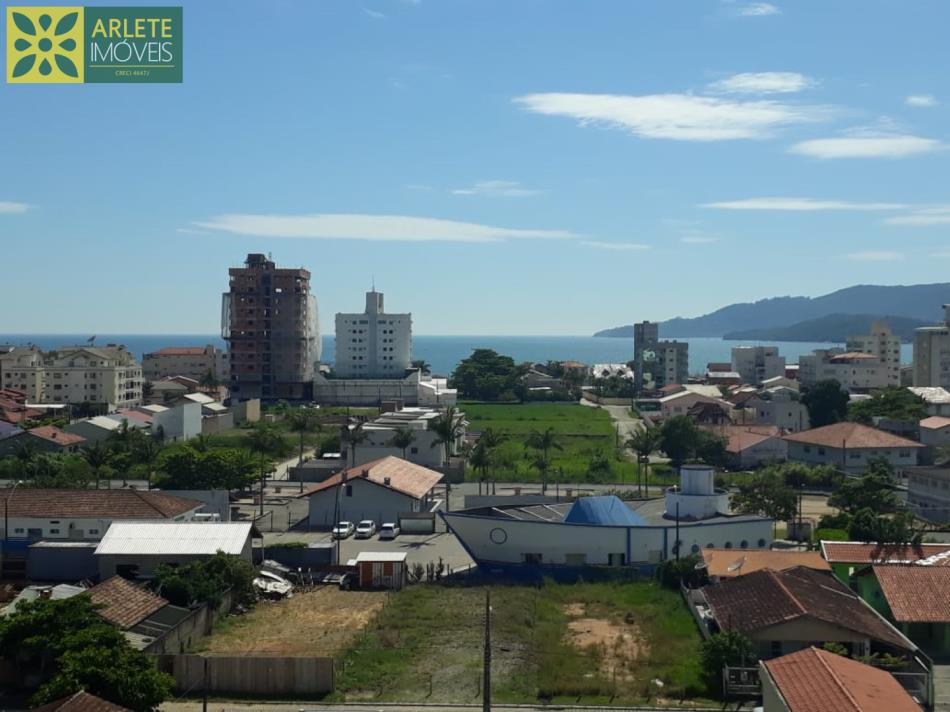 14 - Vista de apartamento à venda, no Perequê/Porto Belo/SC