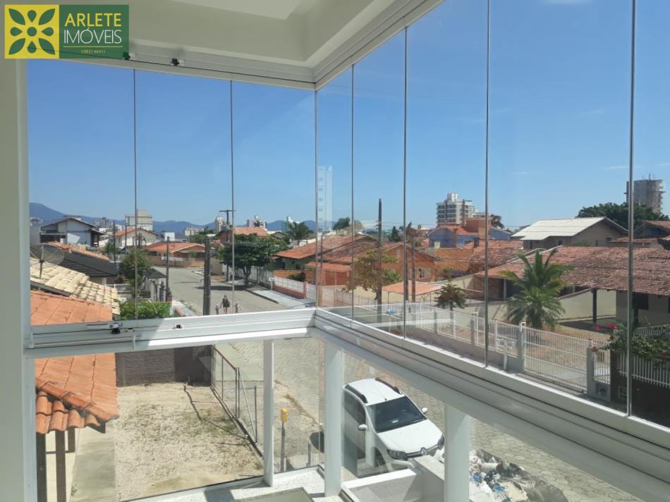 16 - Sacada com vista de apartamento à venda, no Perequê/Poto Belo/SC