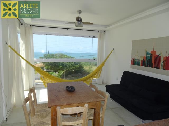 Apartamento Codigo 557 para Temporada no bairro Quatro Ilhas na cidade de Bombinhas