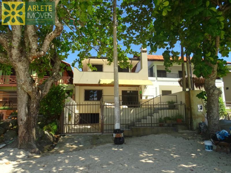 Casa Codigo 136 para Temporada no bairro Centro na cidade de Porto Belo