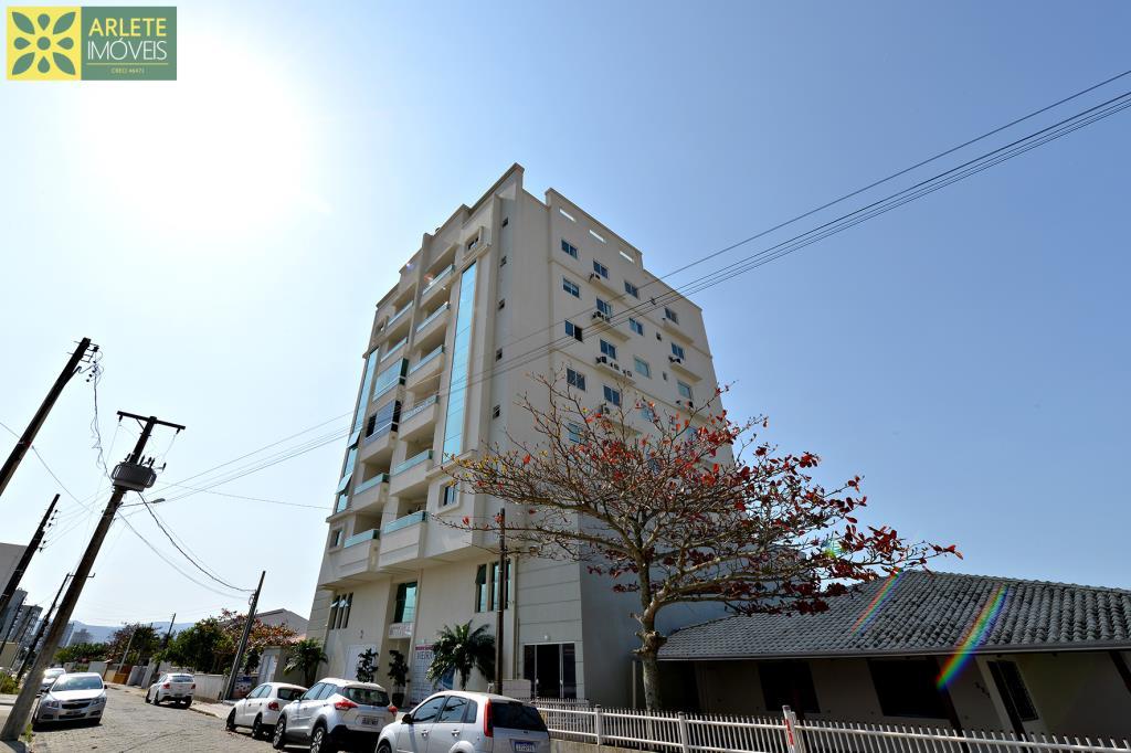 Apartamento Codigo 250 para Temporada no bairro Perequê na cidade de Porto Belo