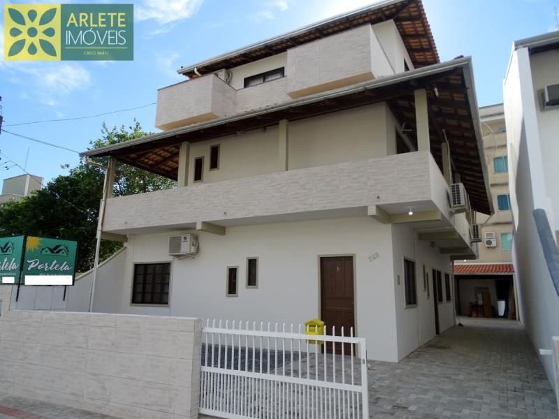 Apartamento Codigo 466 para Temporada no bairro Bombas na cidade de Bombinhas