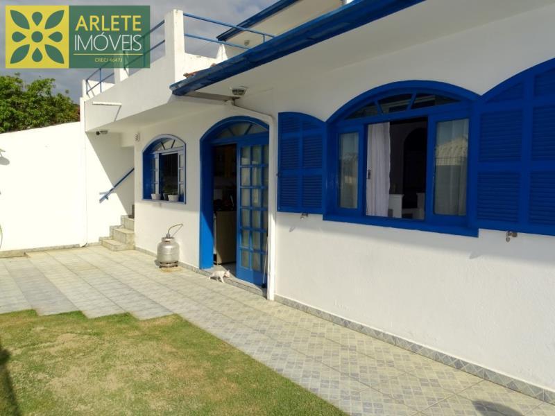 Casa Codigo 36 para Temporada no bairro Centro na cidade de Porto Belo
