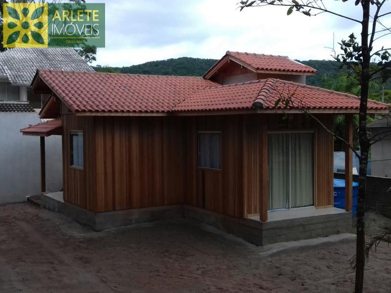Casa Codigo 605 para Temporada no bairro Mariscal na cidade de Bombinhas