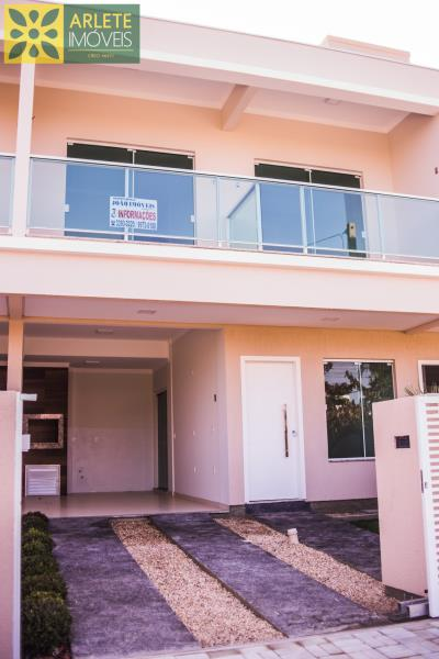 Casa Codigo 2106 a Venda no bairro-Mariscal na cidade de Bombinhas