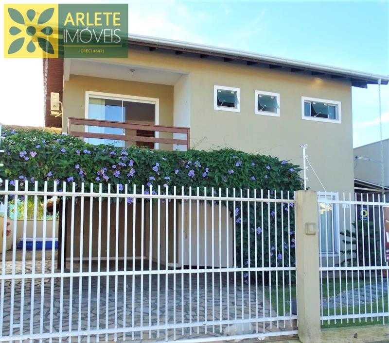 Casa Codigo 2138 a Venda no bairro-Perequê na cidade de Porto Belo