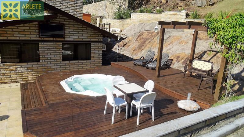 Casa Codigo 33 para Temporada no bairro Vila Nova na cidade de Porto Belo