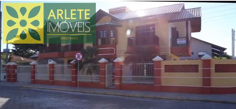 Casa Codigo 1571 a Venda no bairro-Canto Grande na cidade de Bombinhas