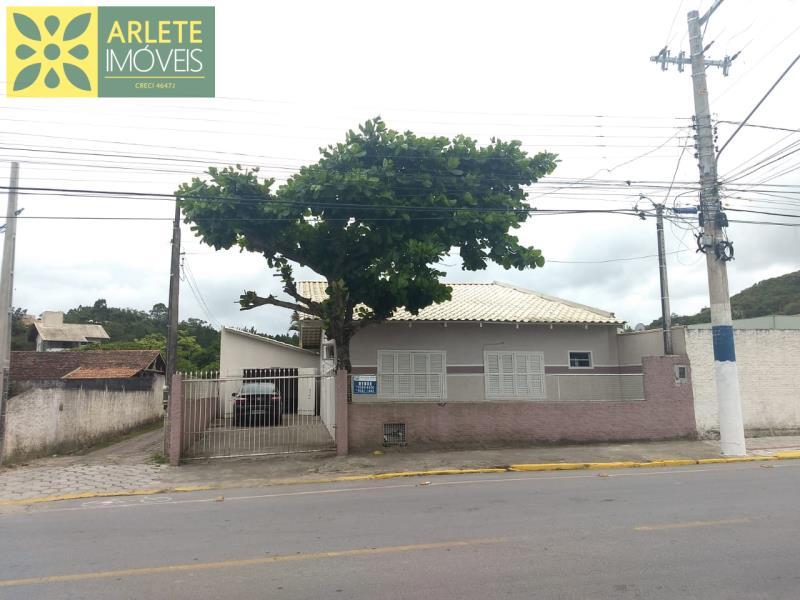 Casa Codigo 265 para Temporada no bairro Perequê na cidade de Porto Belo