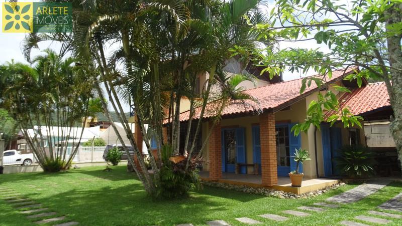 Casa Codigo 1603 a Venda no bairro-Centro na cidade de Porto Belo