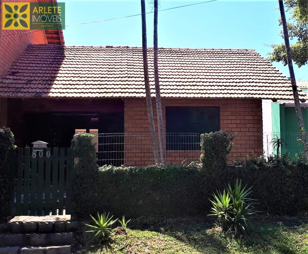 Casa Codigo 563 para Temporada no bairro Centro na cidade de Bombinhas