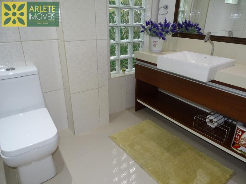 18 - banheiro social térreo casa beira mar locação centro porto belo