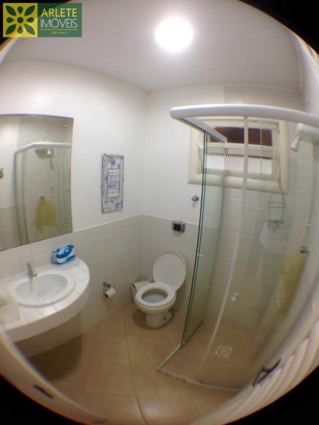 21 - banheiro social casa bombinhas morrinhos locação
