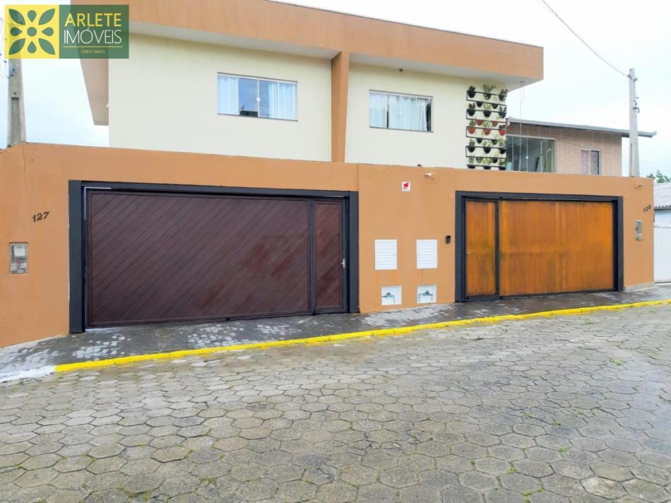 Casa Codigo 1666 a Venda no bairro Vila Nova na cidade de Porto Belo