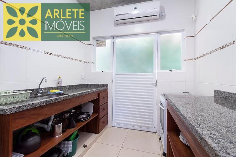 13 - cozinha apartamento aluguel bombinhas