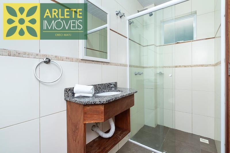 5 - banheiro apartamento aluguel bombinhas