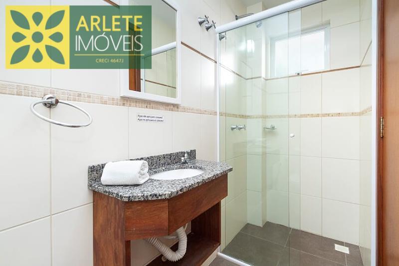 4 - banheiro apartamento locação bombinhas