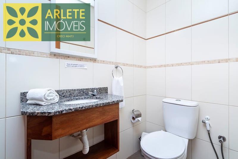 6 - banheiro apartamento locação bombinhas