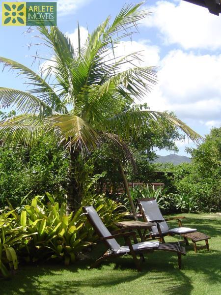 25 - Jardim de casa frente mar, em Mariscal/Bombinhas