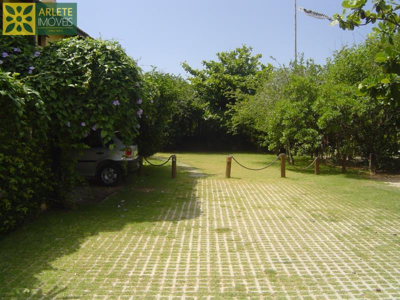 27 - Acesso à área de estacionamento  de casa frente mar, em Mariscal/Bombinhas