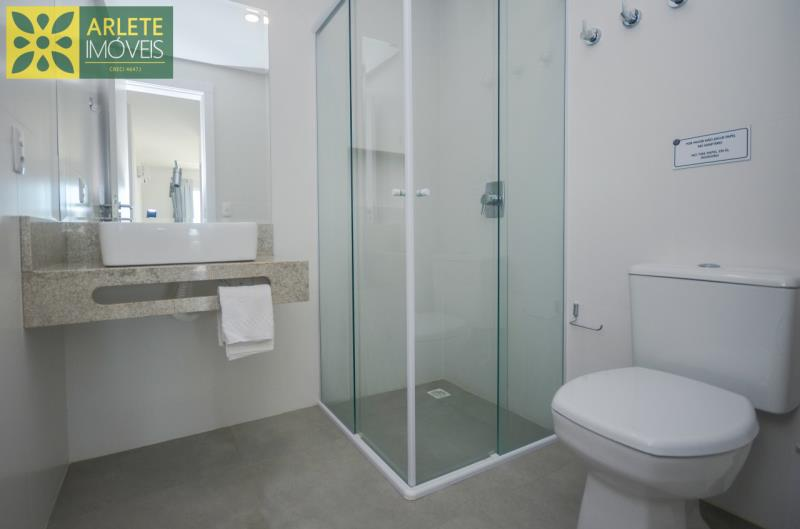 10 - banheiro apartamento locação mariscal