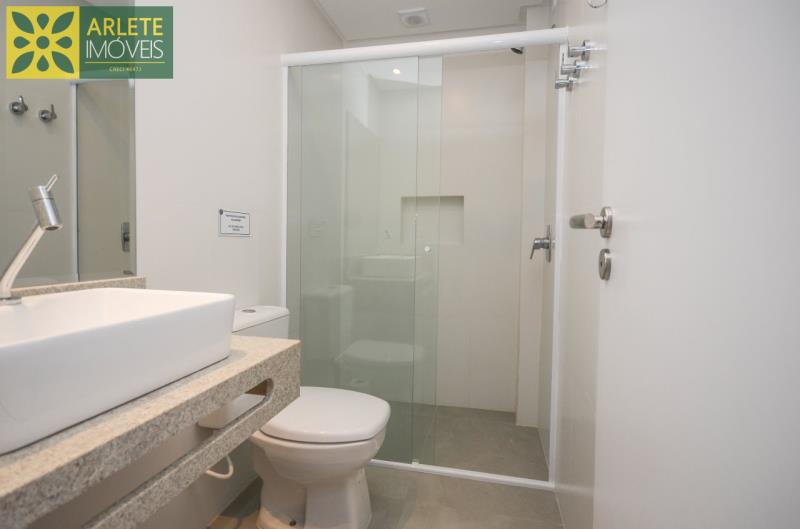 11 - banheiro apartamento locação mariscal