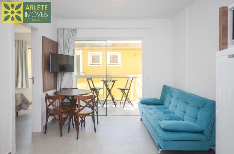 5 - sala de estar apartamento locação mariscal