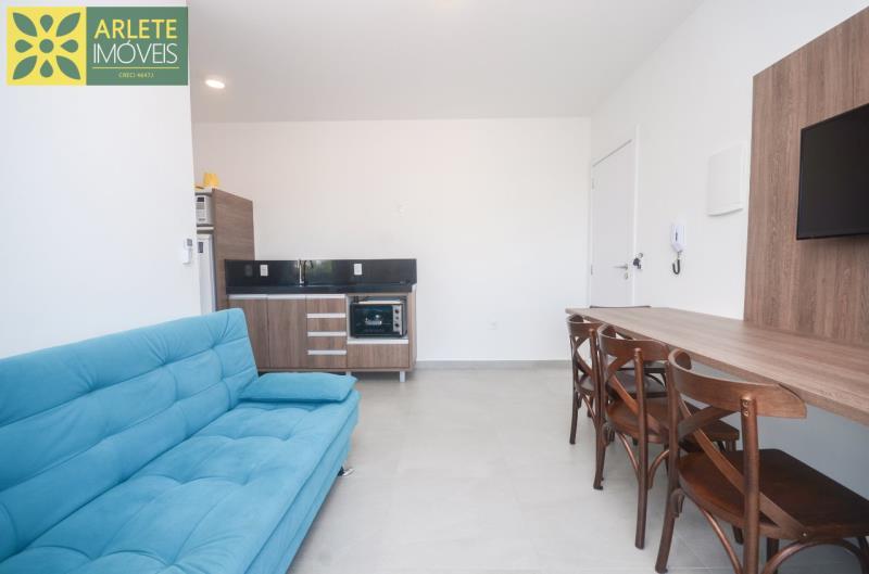 4 - sala de estar apartamento locação mariscal