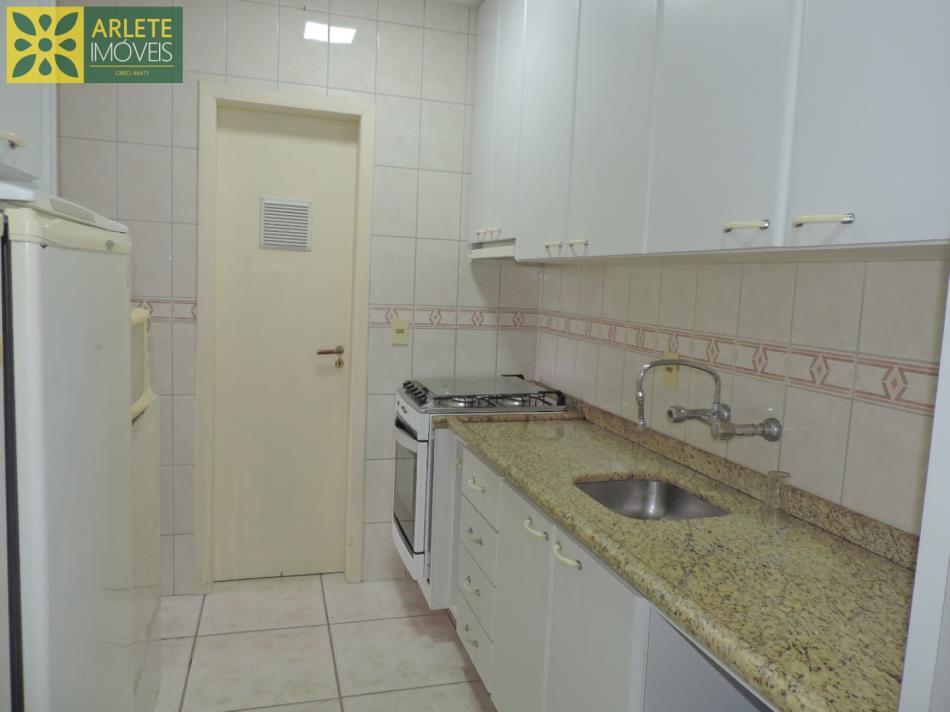 6 - imóvel a venda em Bombas cozinha planejada