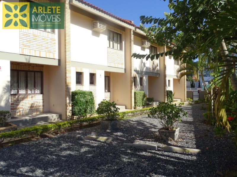 Apartamento Codigo 487 para Temporada no bairro Bombas na cidade de Bombinhas