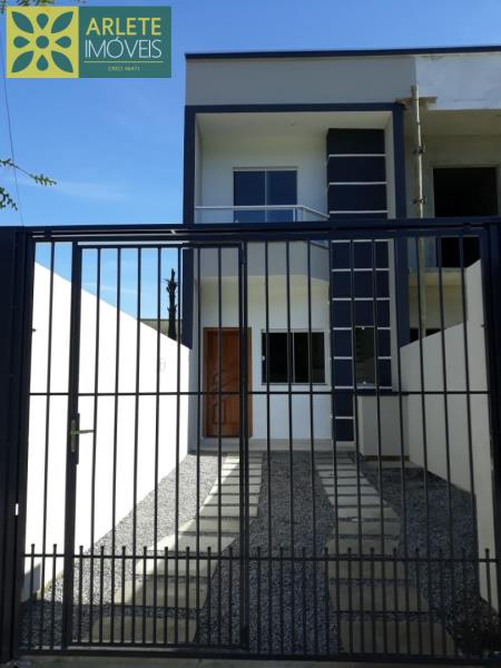 Casa Codigo 1712 a Venda no bairro-Vila Nova na cidade de Porto Belo