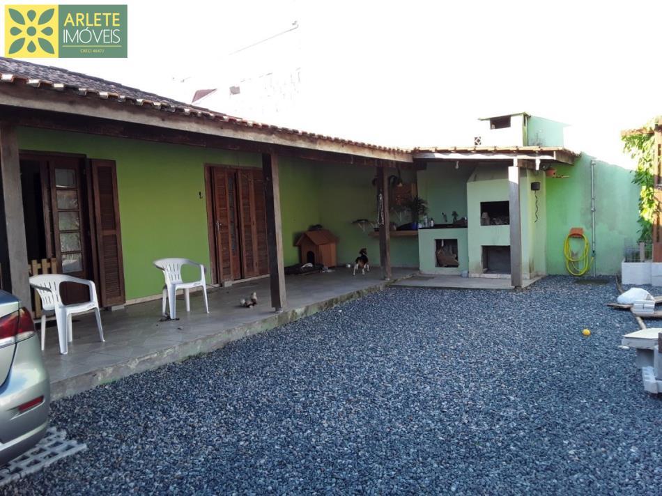 Casa Codigo 1750 a Venda no bairro-Perequê na cidade de Porto Belo
