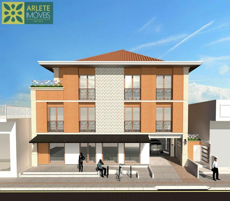 1 - Fachada de apartamento, com excelente localização, no centro de Porto Belo/SC