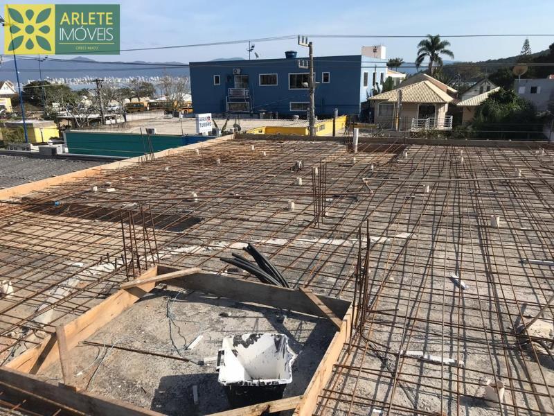 5 - Fase atual da revitalização e edificação de novas unidades, de apartamento com excelente localização, no centro de PortoBelo/SC.