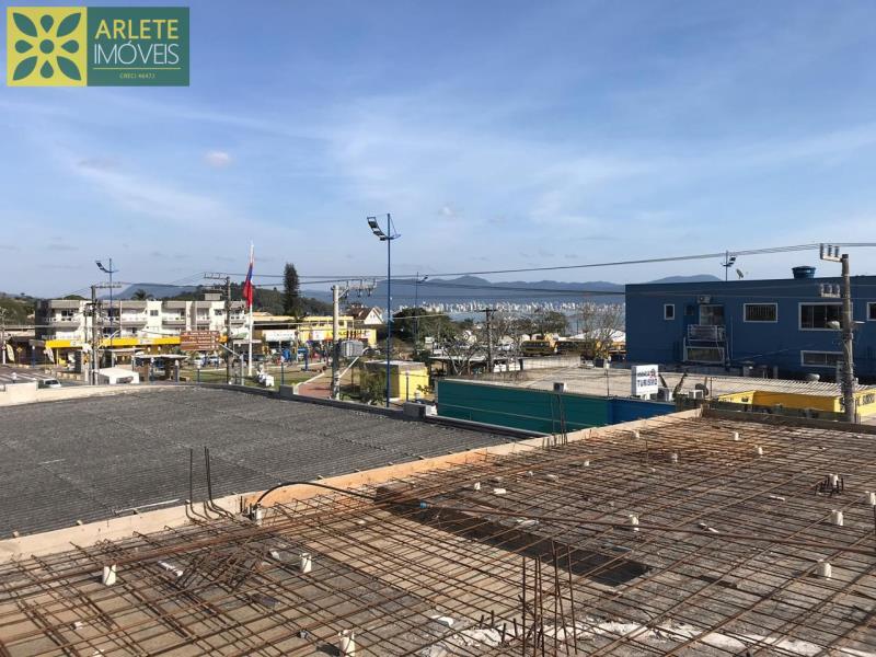 6 - Fase atual da revitalização e edificação de novas unidades, de apartamento com excelente localização, no centro de PortoBelo/SC.