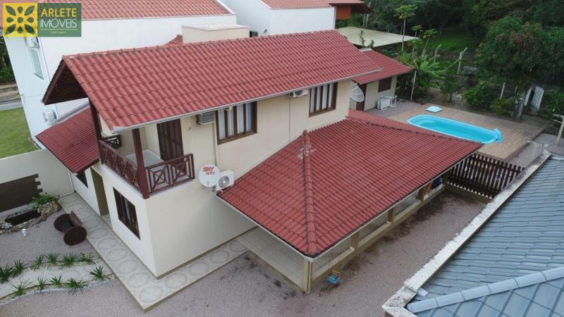 Casa Codigo 81 a Venda no bairro Centro na cidade de Porto Belo