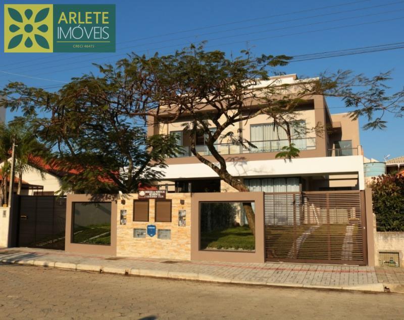 Casa Codigo 638 para Temporada no bairro Mariscal na cidade de Bombinhas