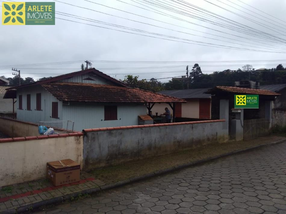 Casa Codigo 1736 a Venda no bairro-Vila Nova na cidade de Porto Belo