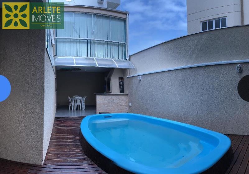 Casa Codigo 226 para Temporada no bairro Perequê na cidade de Porto Belo