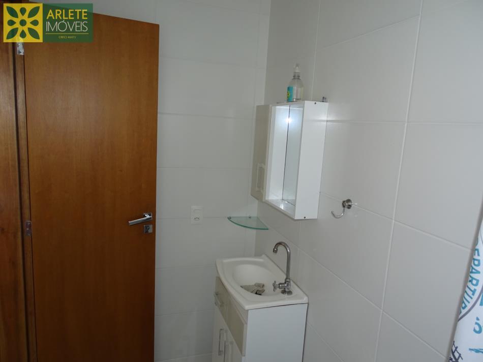 12 - Banheiro pertence a suíte