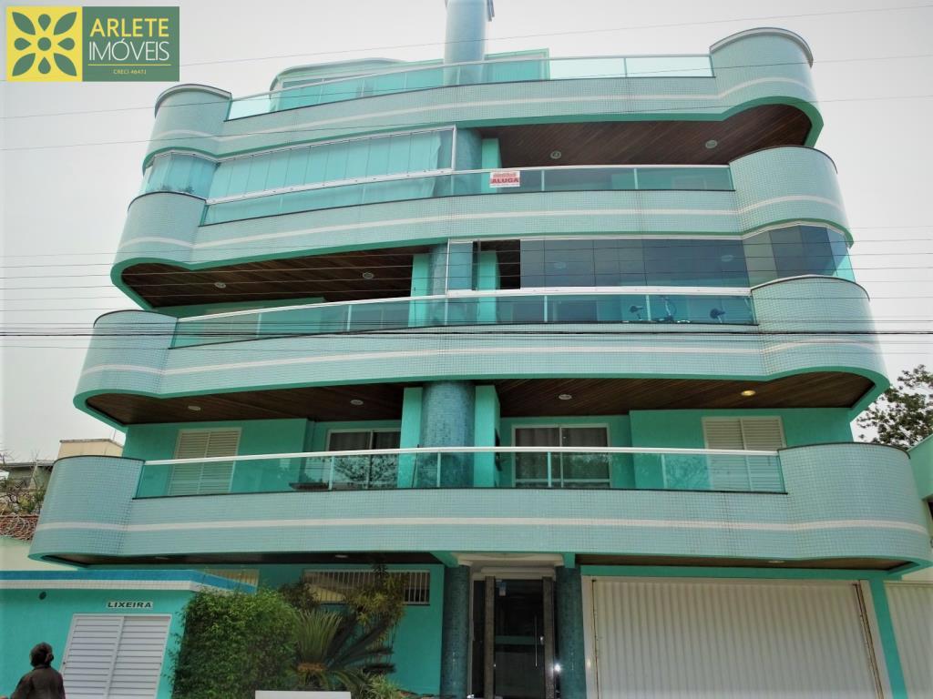 Apartamento Codigo 303 para Temporada no bairro Bombas na cidade de Bombinhas