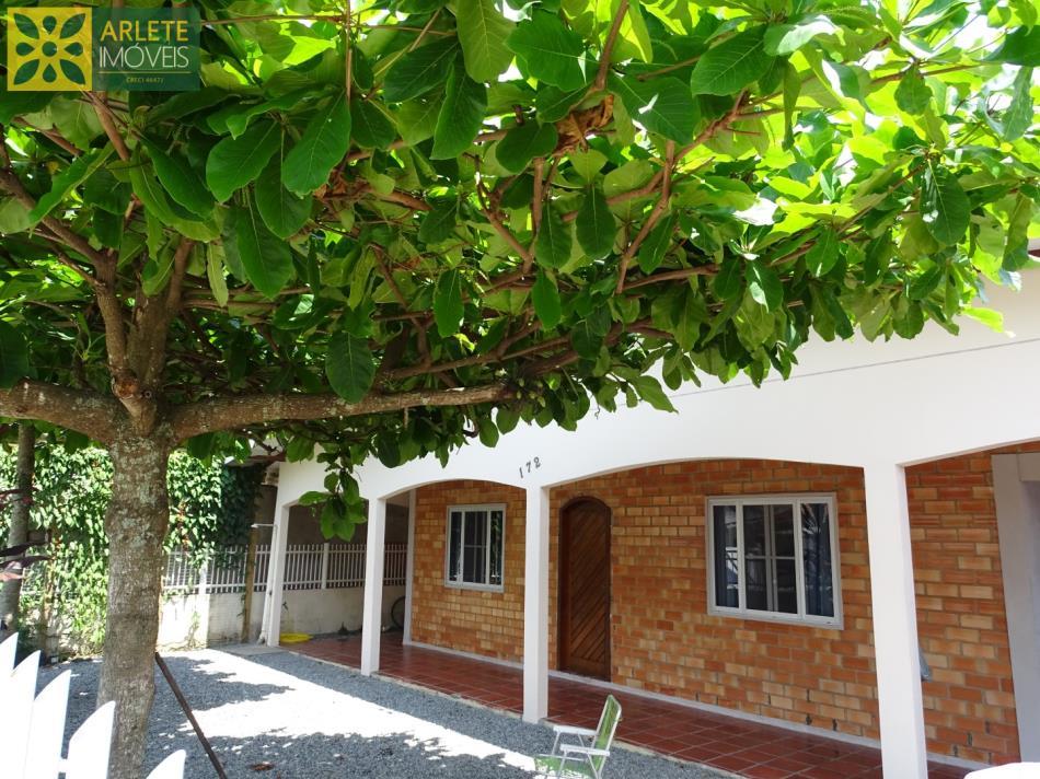 Casa Codigo 1923 a Venda no bairro-Perequê na cidade de Porto Belo