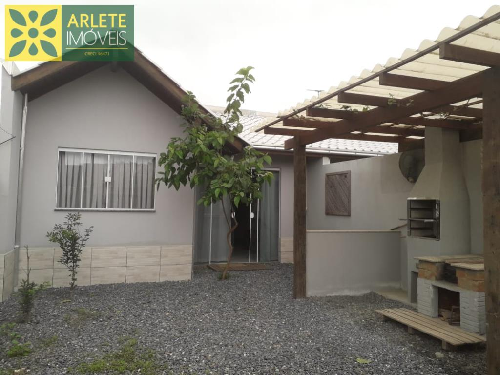 Casa Codigo 648 para Temporada no bairro Mariscal na cidade de Bombinhas