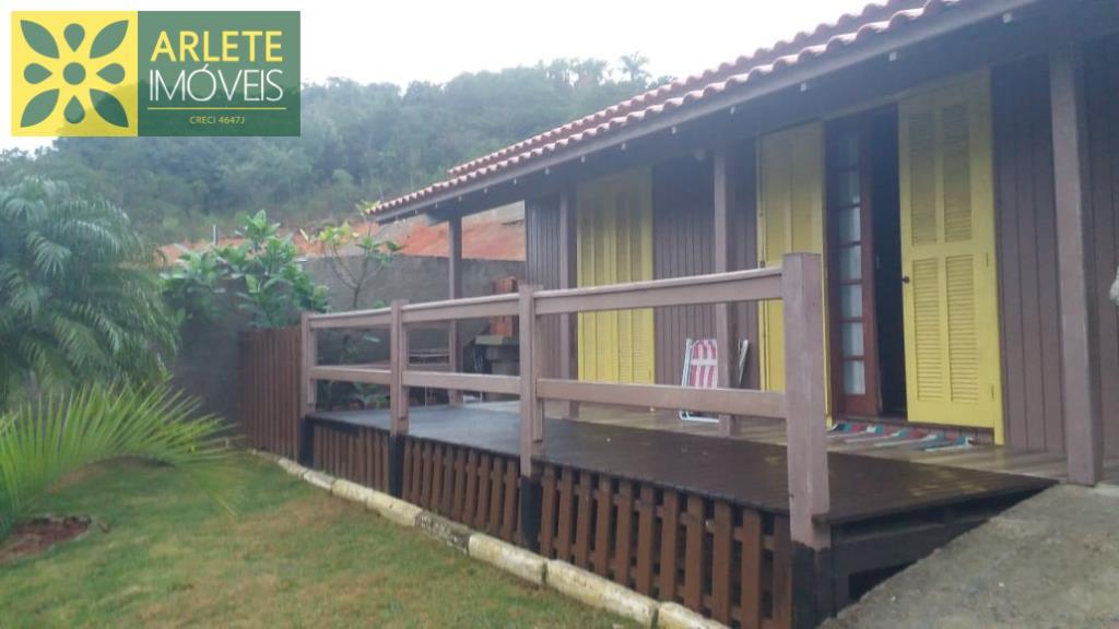 Casa Codigo 1774 a Venda no bairro-Bombas na cidade de Bombinhas