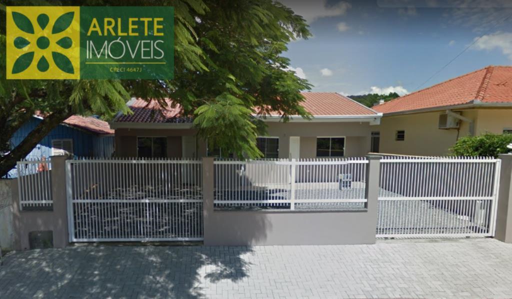 Casa Codigo 53 para Temporada no bairro Centro na cidade de Porto Belo