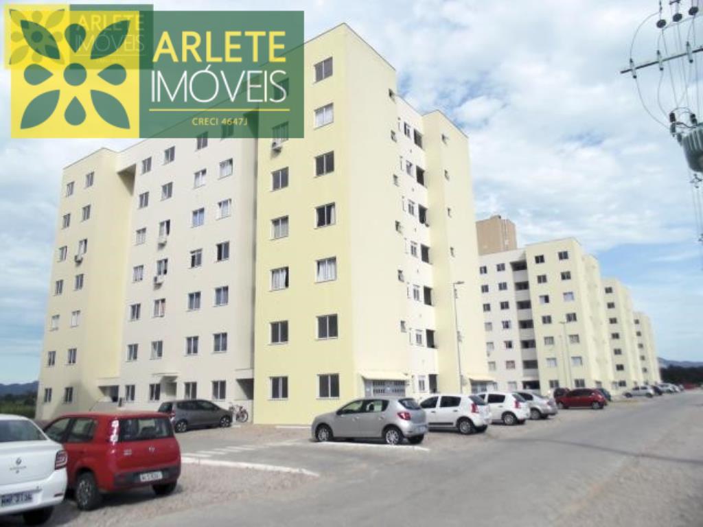 Apartamento Codigo 201 para Temporada no bairro Santa Luzia na cidade de Porto Belo